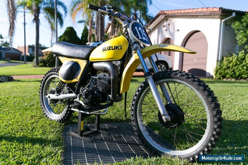 Vintage suzuki dirt bike pièces