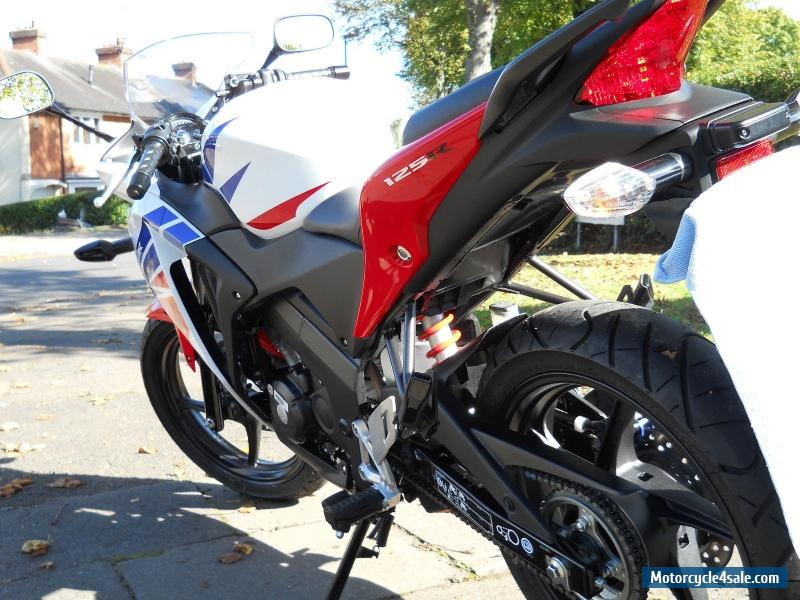 2015 honda cbr 125 r f for sale in united kingdom. Black Bedroom Furniture Sets. Home Design Ideas