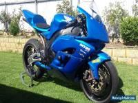 2005 CBR1000RR Fireblade race track bike