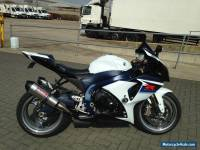 2010/60 SUZUKI GSXR 1000 L0 WHITE/BLUE ONLY 4200 MILES FROM NEW