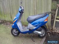 Blue Honda Lead Moped 102cc